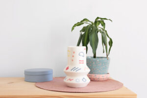 Jarrón GEO memphis en cerámica artesanal