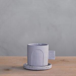 TAZA artesanal lavanda con asa cuadrada